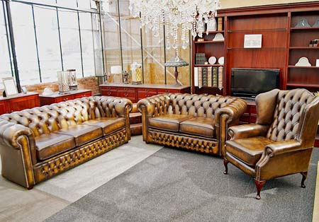 Buckingham Chesterfield set