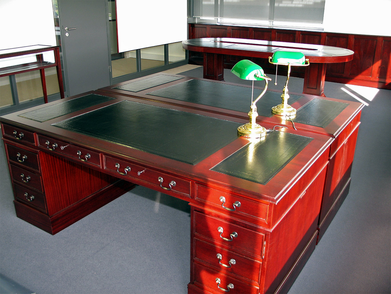 originele engelse klassiek bureau en archiefkasten. Black Bedroom Furniture Sets. Home Design Ideas