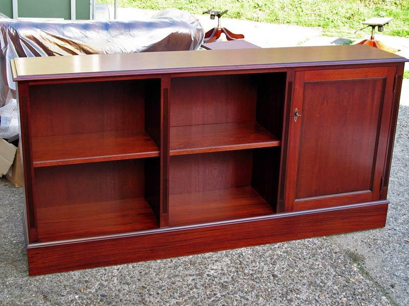 Op maat gemaakte lage boekenkast