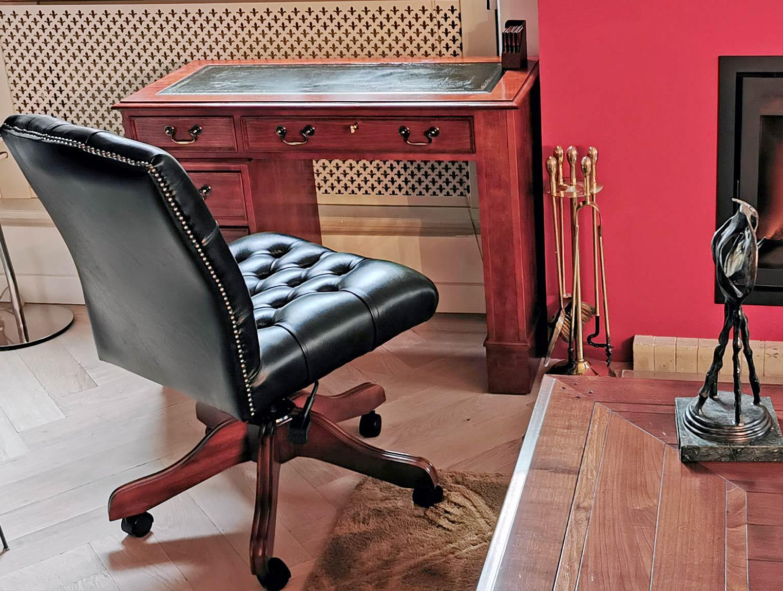 Kleiner englischer Schreibtisch mit Drehstuhl Richmond