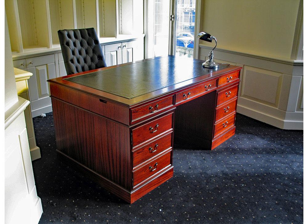 originele engelse klassiek bureau en archiefkasten handgemaakt en op maat rechtstreeks uit. Black Bedroom Furniture Sets. Home Design Ideas