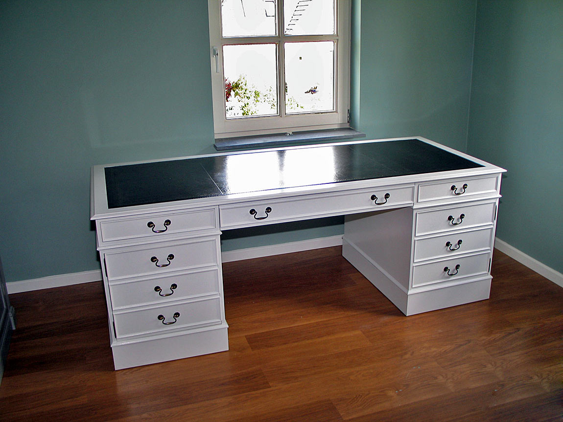 made to measure white desk